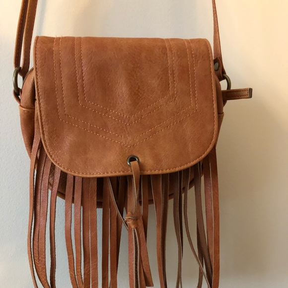 Mossimo Supply Co fringe crossbody bag. M 5b61de0ed365bee996b958fa cb571cdd25095